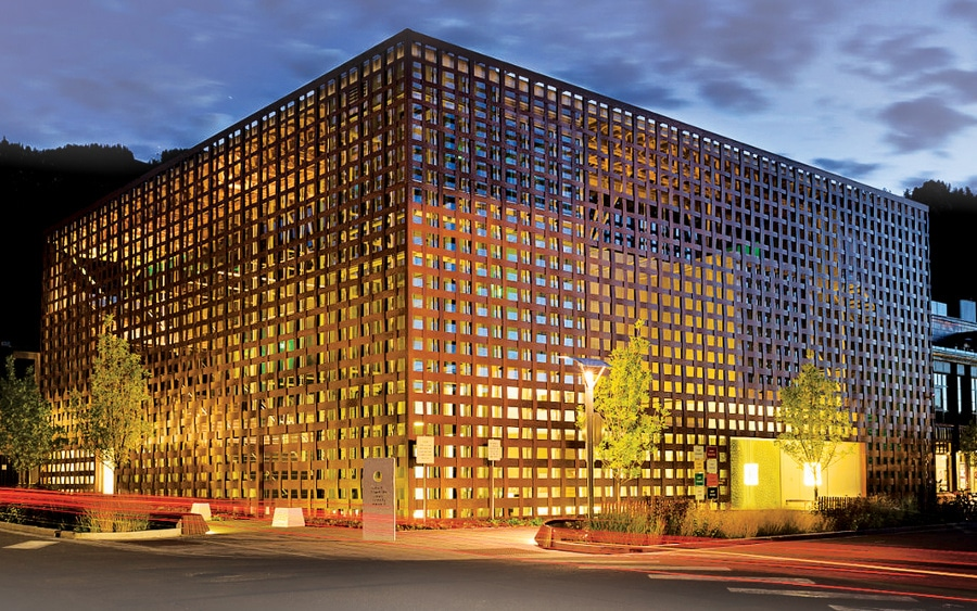Creating Effective And Attractive Lighting For Facades Of