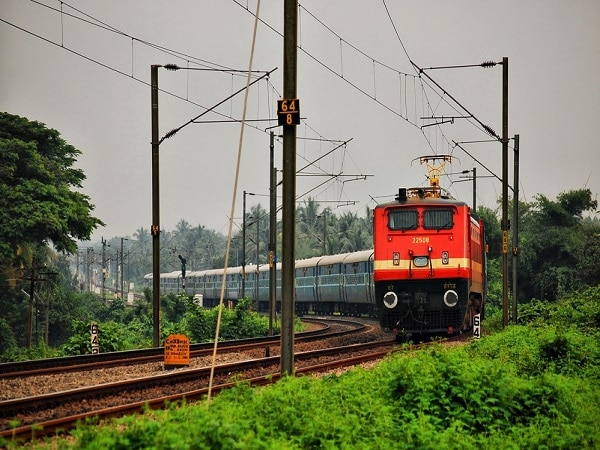 IRCTC funding, IRCTC service charge, IRCTC online booking, finance ministry IRCTC, Indian railways booking
